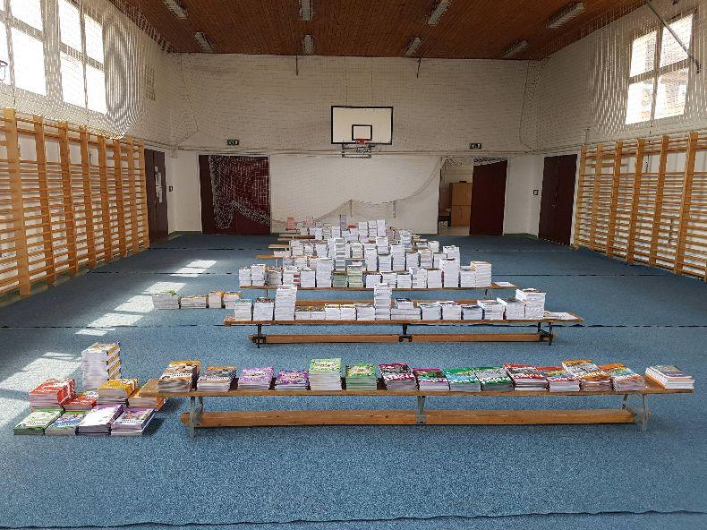 Megérkeztek a tankönyvek az új tanévre